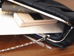 結婚式(お呼ばれ)のバッグにお財布がはいらない!